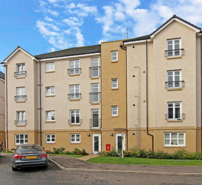 *SOLD**  4/4 Fairfield Gardens EH10 6UP