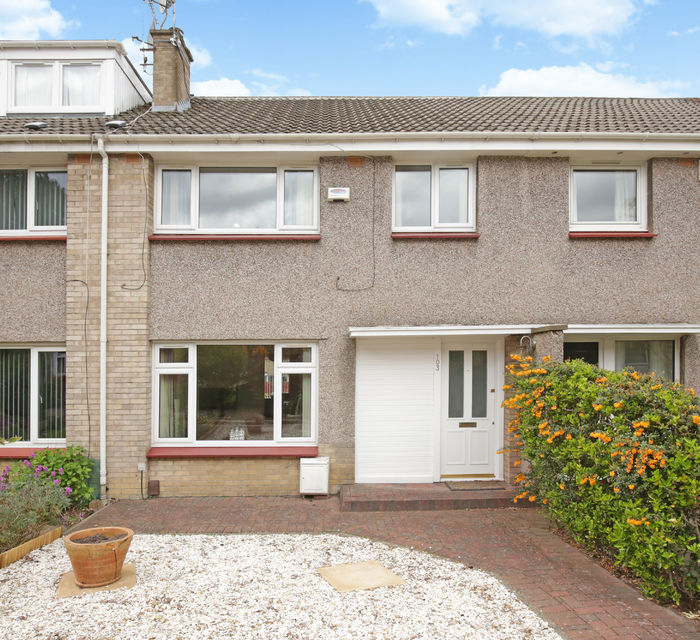 *UNDER OFFER * 103 Clerwood Park Edinburgh, EH12 8PS