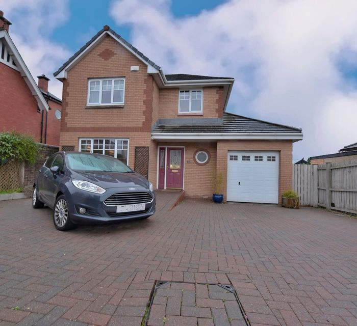 **OPEN VIEWING SATURDAY 14TH DECEMBER 2-3PM** 3A BOTHKENNAR ROAD, CARRONSHORE, FK2 8HS